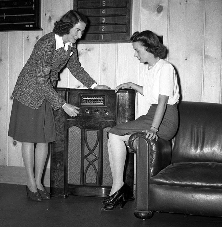 ladies-radio-2